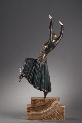Sculpture  -  Vested Dancer - Demetre Chiparus (1886-1947)