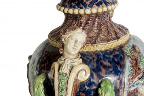 - Thomas Victor Sergent, Vases montés en lampes