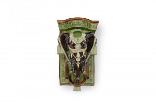 Wall decoration depicting an elephant - Wilhelm Schiller & Sons, circa 1900 - Porcelain & Faience Style