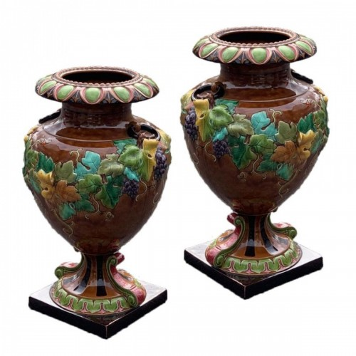 Pair of vases with vine decoration - Manufacture de Sarreguemines