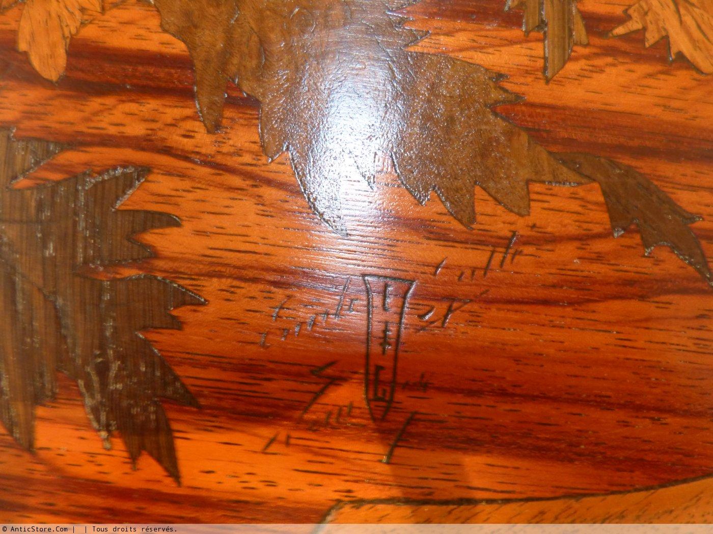 Emile gall nancy table de mileu deux plateaux d cor chardons xxe si cle - Signature meubles ...