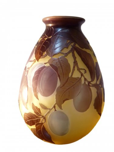 Emile Gallé, engraved glass plum vase
