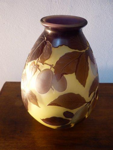 Glass & Crystal  - Emile Gallé, engraved glass plum vase