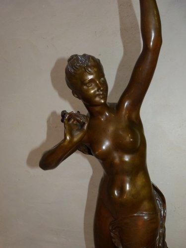 """Large bronze lighting """"Nymph with thistles"""" - François Laurent Rolard (1842-1912) - Sculpture Style Art nouveau"""