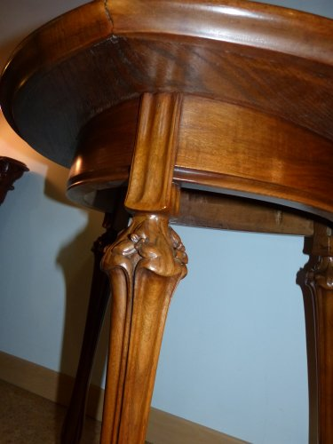 Art nouveau - Louis Majorelle - walnut tripod gueridon table
