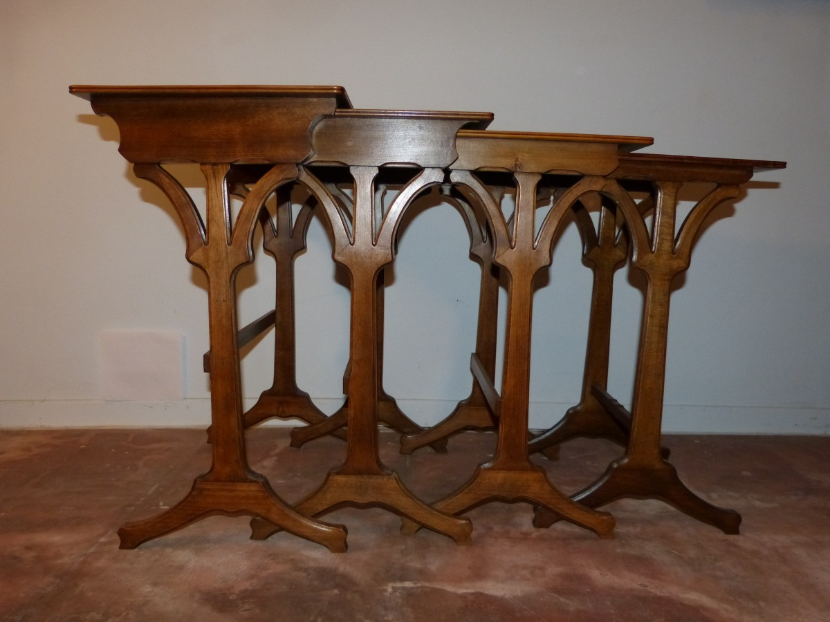emile gall tables gigognes motif de bord de mer en bretagne xxe si cle. Black Bedroom Furniture Sets. Home Design Ideas