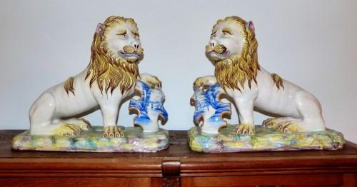 Emile Gallé - Pair of earthenware lions - Porcelain & Faience Style Art nouveau