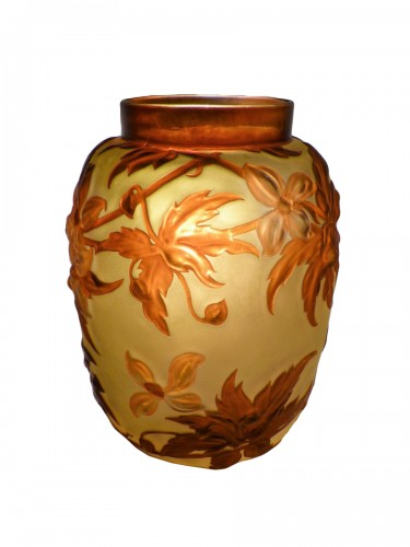 Gallé circa 1925 - Large vase with clematis