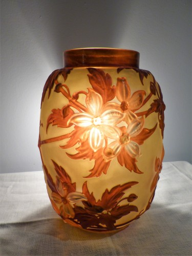 Gallé circa 1925 - Large vase with clematis -