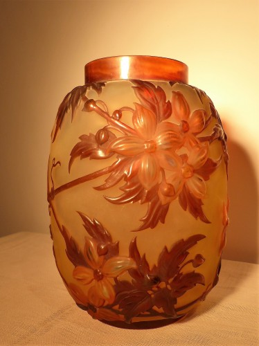 20th century - Gallé circa 1925 - Large vase with clematis