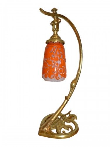 Daum Nancy, lampe de table art nouveau tulipe gravée Pied bronze