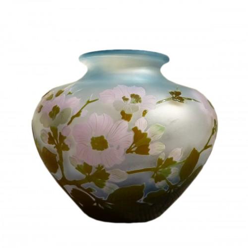 Emile Gallé - Japanese ball vase with apple tree flowers