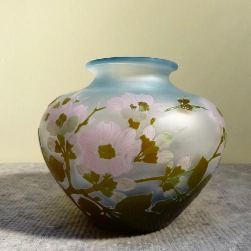 Emile Gallé - Japanese ball vase with apple tree flowers -