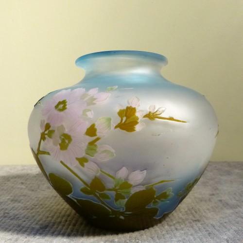 Emile Gallé - Japanese ball vase with apple tree flowers - Art nouveau