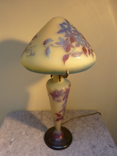 Glass & Crystal  - Emile Gallé - Mushroom lamp with clematis
