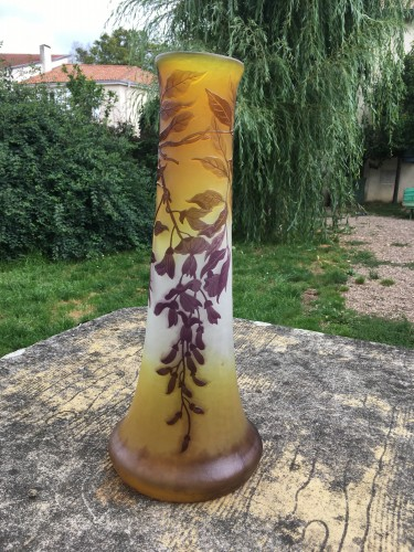 Glass & Crystal  - Emile Gallé - Large vase wisteria with elephant foot