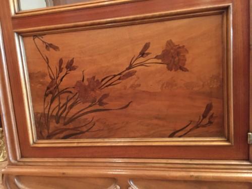 20th century - Louis Majorelle, Art Nouveau pine apple display cabinet