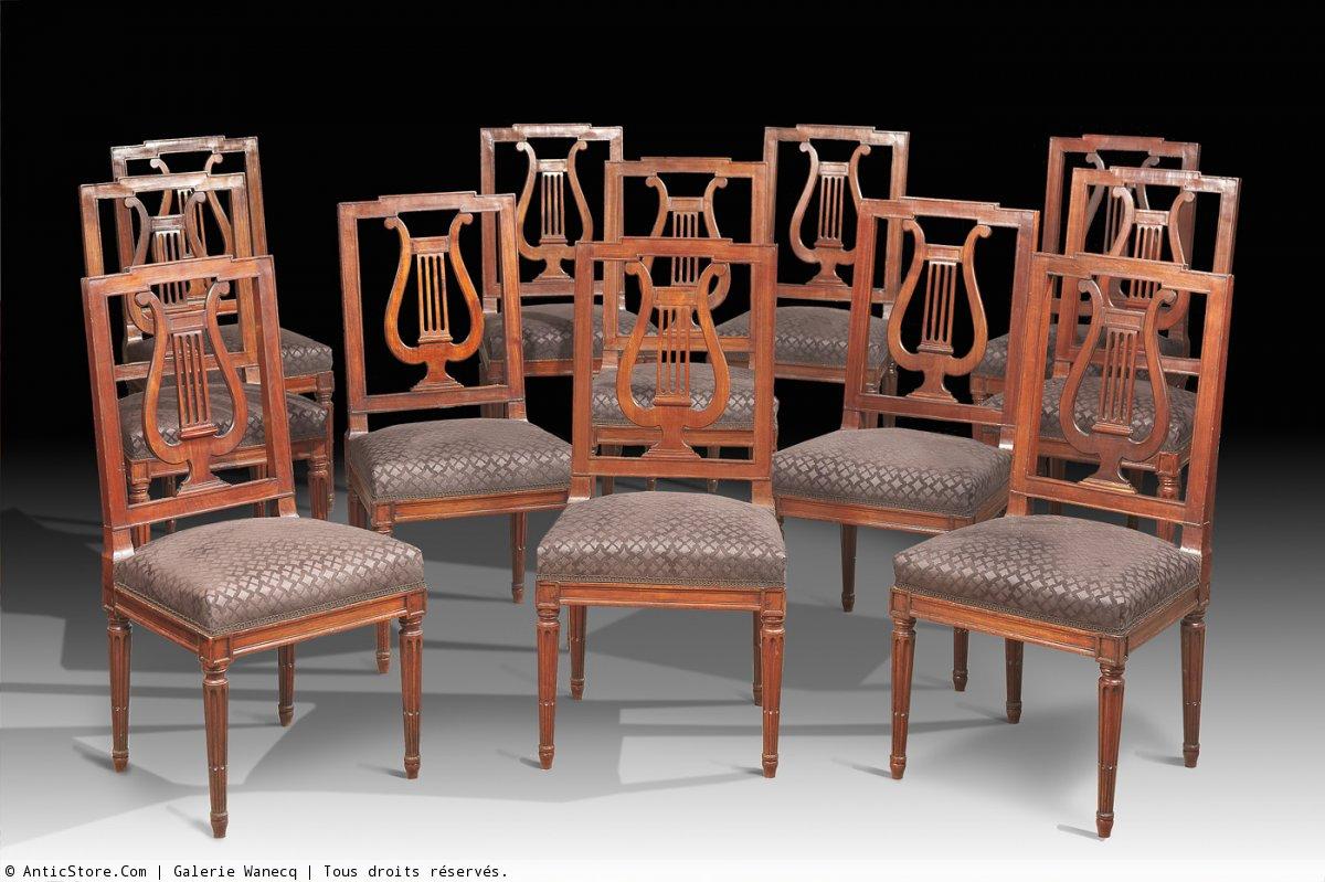 Suite de douze chaises de salle manger d 39 poque louis for Salle a manger louis xvi