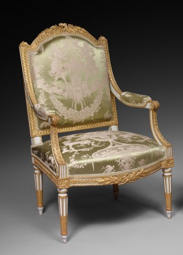 A Fine pair of Louis XVI gilt wood armchairs
