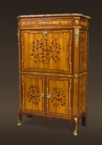 A transition end-cut marquetry drop-front secretaire - Transition