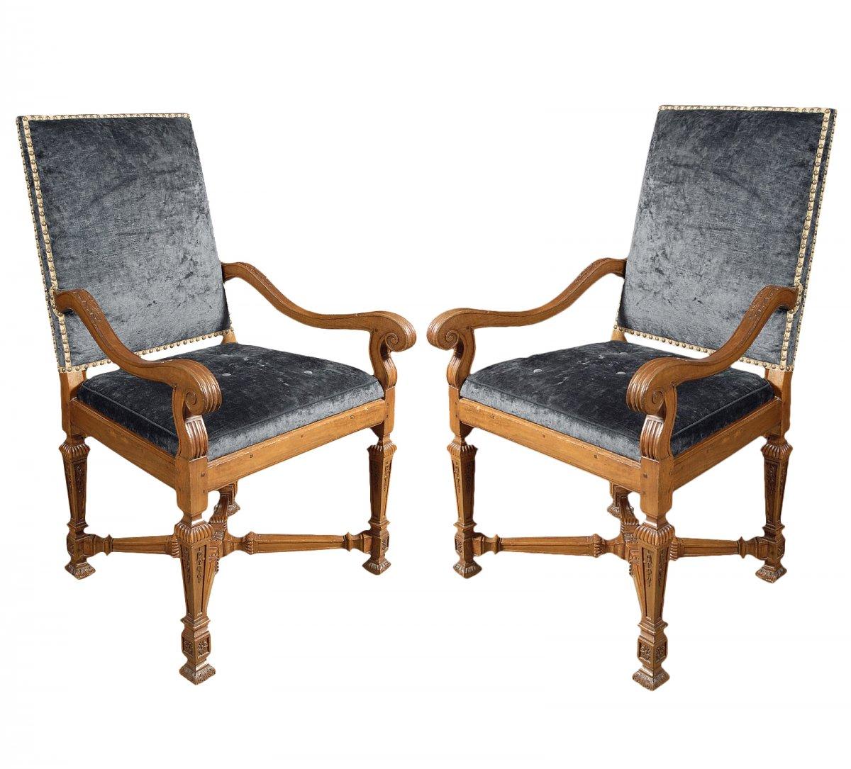 paire de fauteuils d 39 poque louis xiv xviiie si cle n. Black Bedroom Furniture Sets. Home Design Ideas