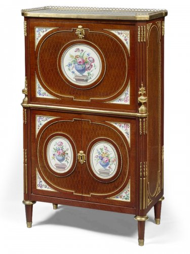 A Fine French ormolu and porcelain-mounted mahogany secrétaire à abattant