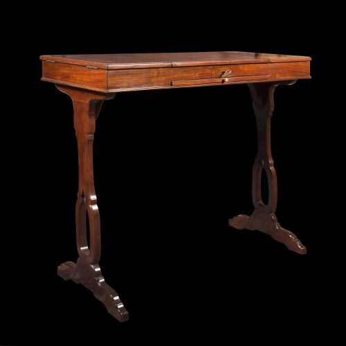 A Louis XVI mahogany table de toilette - Furniture Style Louis XVI