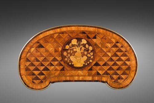 Late 18th Century Table Rognon - Furniture Style Louis XVI