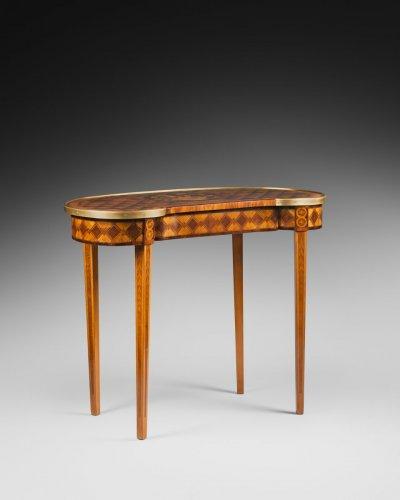 Late 18th Century Table Rognon - Louis XVI