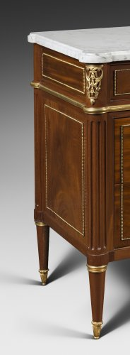 A Louis Louis XVI mahogany ormolu mounted commode - Louis XVI