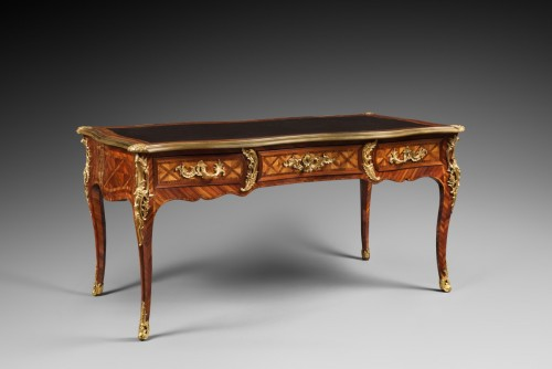 A Louis XV ormolu-mounted satinated wood and Kingwood bureau plat - Louis XV
