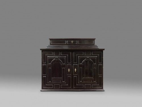 A rare 17th Century  south German (Augsburg) ebony table - cabinet - Furniture Style