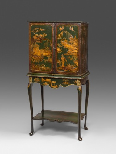 Furniture  - English cabinet (18th Century)