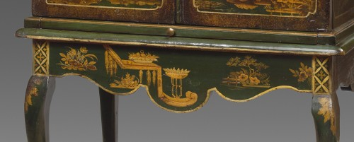 Antiquités - English cabinet (18th Century)