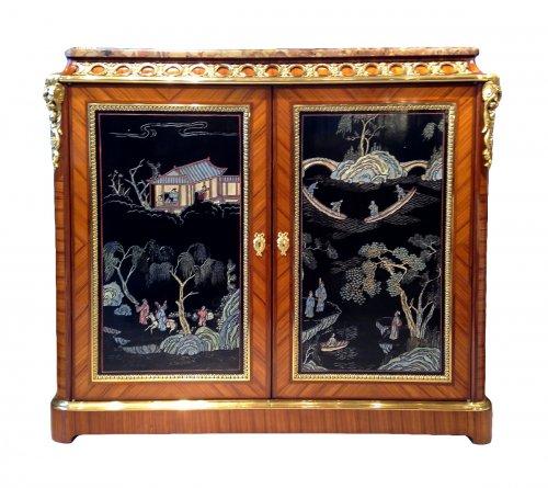 19th century Side cabinet, Coromandel lacquer