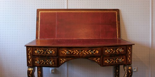 Furniture  - A Dutch desk with floral and bird marquetry