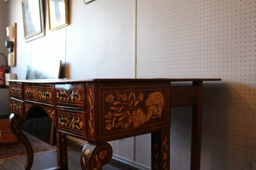 19th century - A Dutch desk with floral and bird marquetry