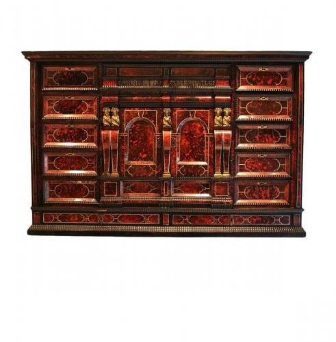 Cabinet from Antwerp in tortoiseshell scales circa 1650
