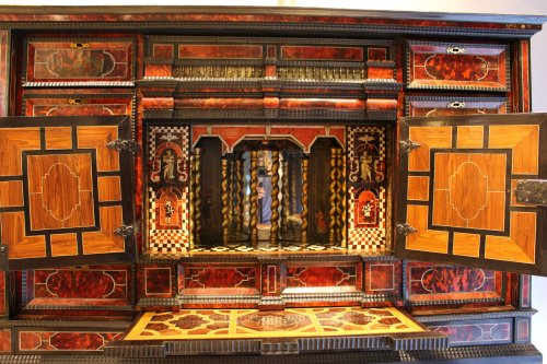 Cabinet from Antwerp in tortoiseshell scales circa 1650 - Louis XIV