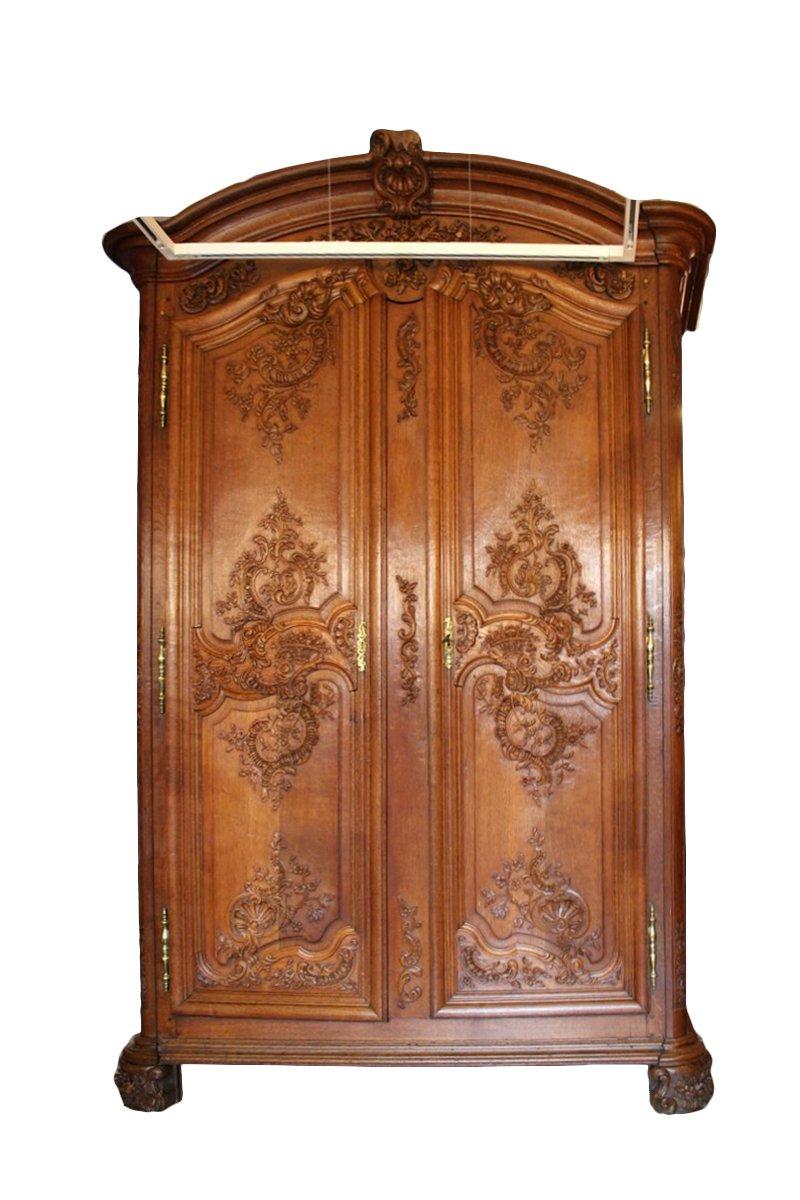 armoire en ch ne sculpt d poque r gence xviiie si cle. Black Bedroom Furniture Sets. Home Design Ideas