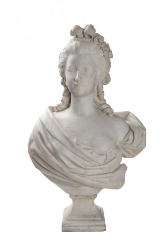 Bust of woman in white marble of carrara