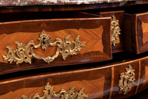Louis XV Commode In Marquetry Stamped By Jc Ellaume - Furniture Style Louis XV
