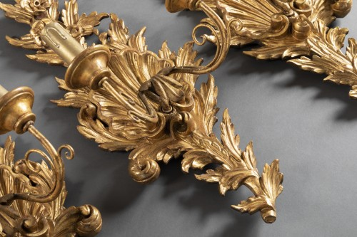 Lighting  - Suite of 4 gilt wood sconces from the end of the 18th century.