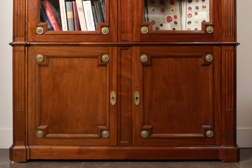 Mahogany bookcase, Louis XVI period - Stamped J.F Leleu - Furniture Style Louis XVI