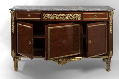 Louis XVI - Louis XVI period chest of drawers