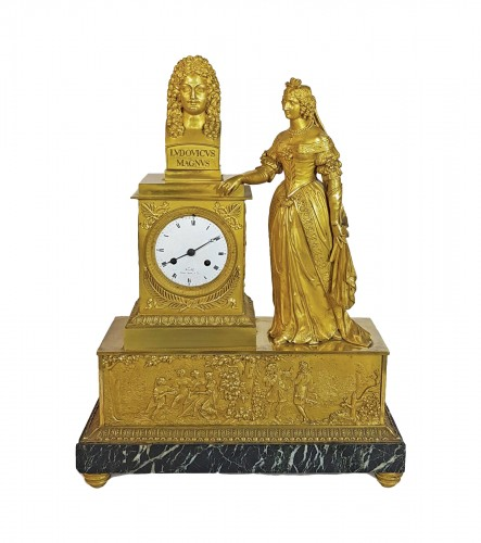 French Restauration Clock with legitimist decoration to the glory of Louis XIV