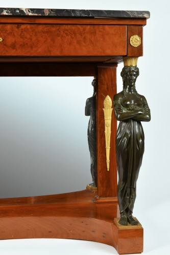 Furniture  - An Empire, Ormoulu and patinated bronze mounted mahogany console table