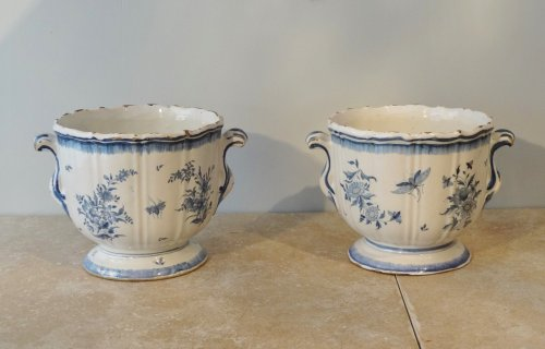 Pair of 18th century planters, Earthenware of Brussels -