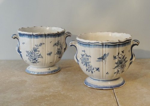 Antiquités - Pair of 18th century planters, Earthenware of Brussels