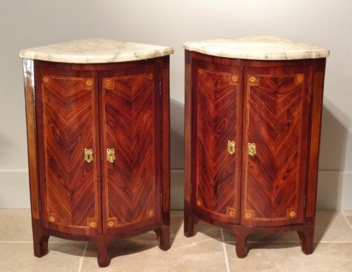 """Pair of """"Transition"""" period corners cabinet 18th century - Furniture Style Transition"""